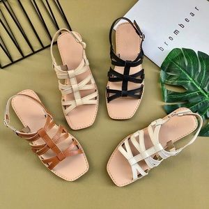 Shoes - Faux leather strap sandal